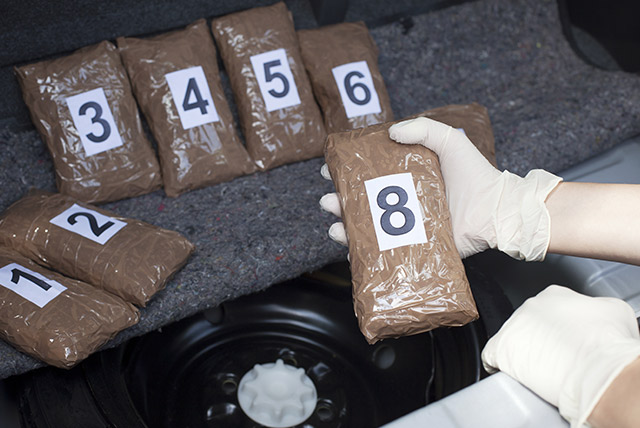 7-including-jail-inmates-and-guards-arrested-for-drug-smuggling-in-lockup